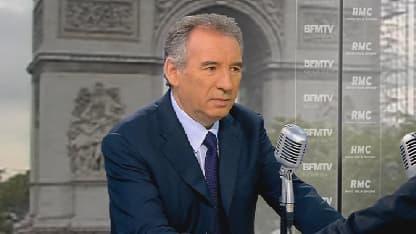 """""""On ne ne peut pas durer trois ans"""" comme ça, dit Bayrou. Ici, le président du MoDem sur le plateau de BFMTV le 28 mai"""