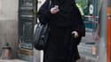 Les députés belges se sont prononcés jeudi à une très large majorité en faveur de l'interdiction de la burqa dans les lieux publics. /Photo prise le 2 avril 2010/REUTERS/Régis Duvignau