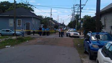 Dix-neuf personnes, dont deux enfants, ont été blessées.