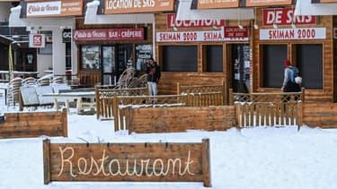 Des boutiques fermées à la station de ski de Villard-de-Lans, le 5 janvier 2021 en Isère