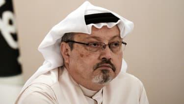 Le journaliste saoudien Jamal Khashoggi lors d'une conférence de presse au Bahreïn, le 15 décembre 2014