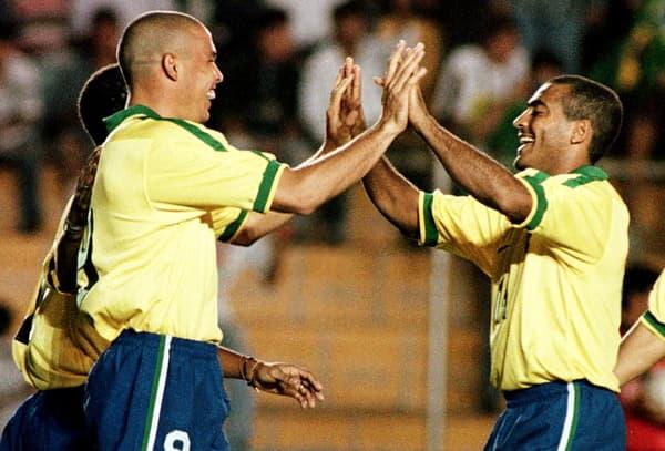 Les Brésiliens Ronaldo (à gauche) et Romario lors de la Copa America 1997