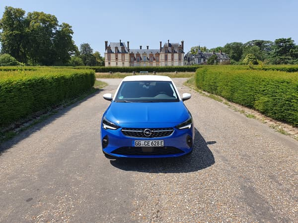 Pas besoin de mener la vie de château pour s'offrir cette Opel électrique.