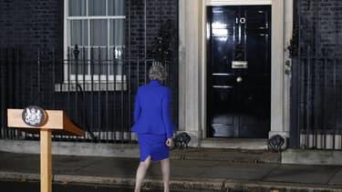 la Première ministre britannique Theresa May, a entamé ce mercredi des tractations à Downing street avec les leaders des partis politiques pour dégager un consensus autour du Brexit.