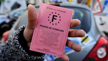 Les candidats au permis de conduire l'obtenait sans le passer.