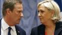 Nicolas Dupont-Aignan et Marine Le Pen le 29 avril 2017 pendant la campagne présidentielle.