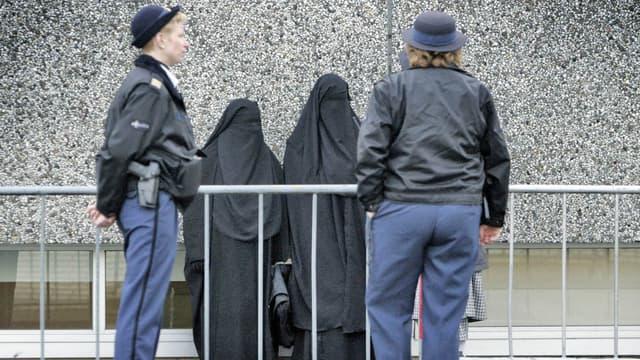 Femmes portant le voile intégral à Amsterdam, aux Pays-Bas