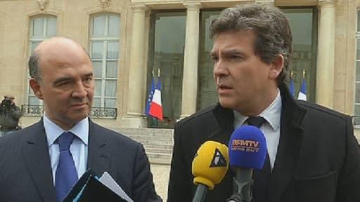 Pierre Moscovici et Arnaud Montebourg ont fustigé la retraite chapeau de 21 milliosn d'euros accordée à Philippe Varin.