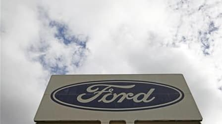 Les dirigeants de Ford ont annoncé aux représentants syndicaux de l'usine de Blanquefort, en Gironde, qu'un projet industriel en cours d'élaboration devrait permettre de conserver un millier d'emplois pour un investissement de 169 millions d'euros, selon