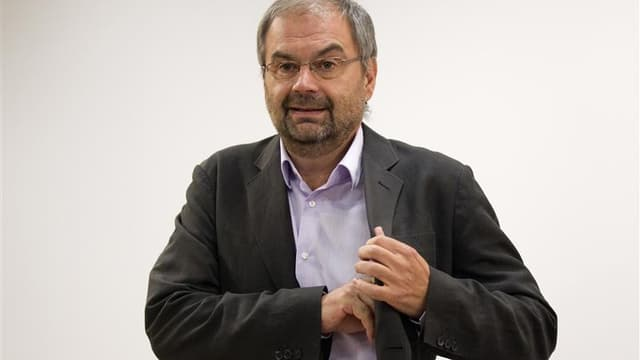 François Chérèque n'a pas caché son émotion, jeudi dans la cour de Matignon, à l'idée de quitter dans une semaine la tête de la CFDT qu'il dirige depuis dix ans. Le secrétaire général de la CFDT était venu discuter une dernière fois avec le Premier minist