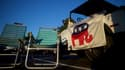 Une jeep sur laquelle pend un drapeau du parti républicain à Aston, pendant la campagne de Donald Trump.
