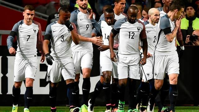 """L'équipe de France avec son nouveau maillot """"extérieur"""""""