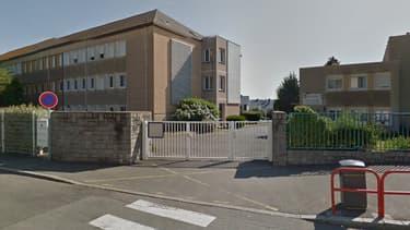 Le collège Robert Surcouf, à Saint-Malo, doit fermer à la rentrée 2017.