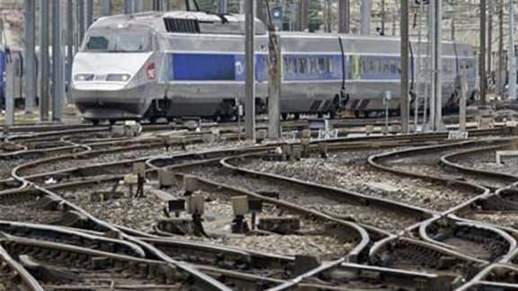 """Les trains circuleront pendant les fêtes de fin d'année, en dépit du préavis de grève d'une partie des conducteurs pendant tous les week-ends du mois de décembre, a déclaré le président de la SNCF, Guillaume Pépy, dimanche lors du """"Grand Rendez-Vous"""" Euro"""