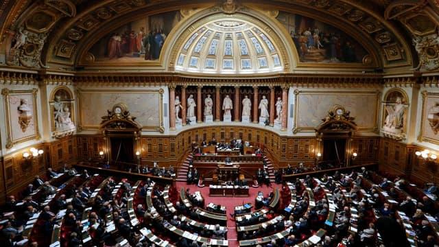 """Les sénateurs n'ont pas suivi les recommandations du gouvernement en ce qui concerne la """"taxe tampon""""."""