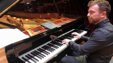 Le pianiste David David Kadouch.