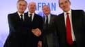 De gauche à droite: Philippe Petitcolin et Ross McInnes, directeur général et président de Safran aux côtés de Didier Domange, président du conseil de surveillance de Zodiac et Olivier Zarrouati, le président du directoire, le 19 janvier lors de l'annonce du rapprochement des deux groupes.
