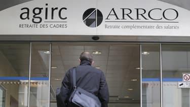 Les négociations pour tenter de sauver le régime des retraites complémentaires se poursuivront à la rentrée