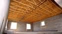 L'isolation de la toiture coûte 30 000 euros pour 3 000 euros de réduction d'impôts