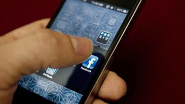 Trois millions d'entreprises du monde entier font activement de la publicité sur Facebook et 70 % d'entre elles sont basées en dehors des États-Unis.