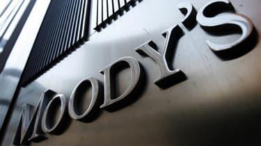 """L'agence Moody's a dégradé la note française de """"Aaa"""" à """"Aa1"""""""