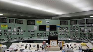 Salle de contrôle du réacteur n°3 de la centrale de Fukushima-Daiichi. De la fumée noire est brièvement sortie mercredi du réacteur n°3, provoquant l'évacuation temporaire des ouvriers qui tentent d'éviter une catastrophe nucléaire au Japon. /Photo prise