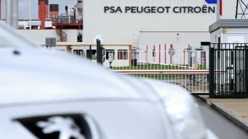PSA perd environ 100 millions d'euros par mois.