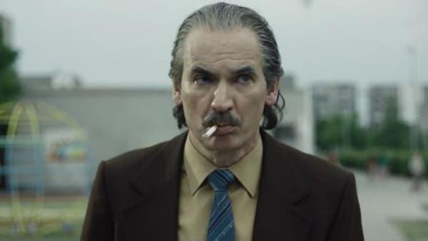 """Paul Ritter dans la série """"Chernobyl""""."""