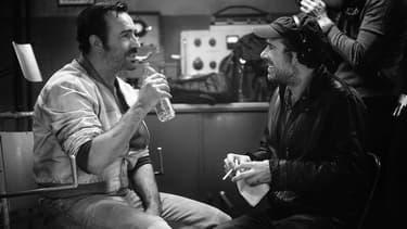 Jean Dujardin et Nicolas Bedos sur le tournage d'OSS 117