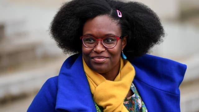 La porte-parole du gouvernement Sibeth Ndiaye quitte l'Elysée après une réunion, le 7 novembre 2019