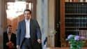 Le chef de la Coalition de gauche radicale, Alexis Tsipras, chargé par le président grec de former un gouvernement de coalition, a exclu mardi de se plier aux plans européens de sauvetage et a menacé de nationaliser les banques. /Photo prise le 8 mai 2012