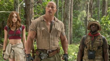 Karen Gillan Dwayne Johnson et Kevin Hart dans Jumanji: bienvenue dans la jungle