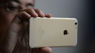 L'inflation galopante que connait le pays est particulièrement forte sur les produits importés comme les smartphones