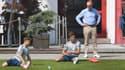 Karl-Heinz Rummenigge assiste à un entraînement du Bayern avant la reprise