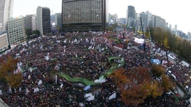 Des milliers de manifestants se sont réunis à Seoul ce mardi pour demander la démission de la présidente sud-coréenne, Park Geun-Hye.