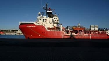 L'Ocean Viking, le navire de secours en mer de l'ONG SOS Méditerranée, dans le port de Marseille, le 29 décembre 2020