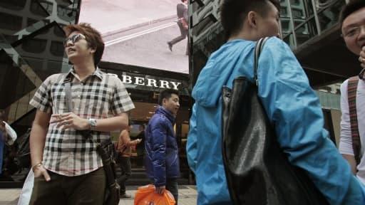 La marque britannique Burberry a annoncé de bonnes performances en Chine au troisième trimestre 2013.