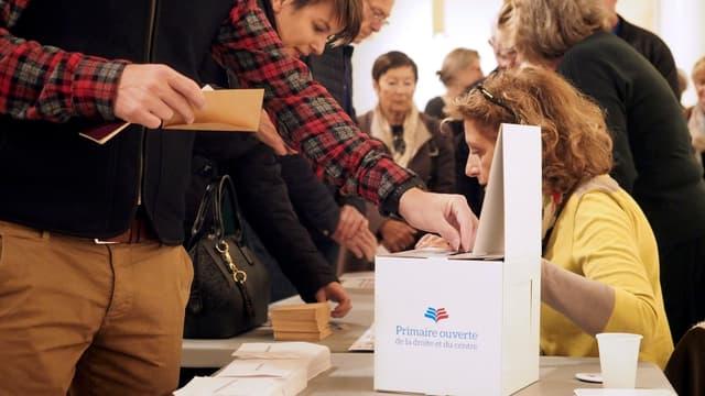 La location de bureaux de vote a représenté l'un des principaux postes de dépenses pour les organisateurs.