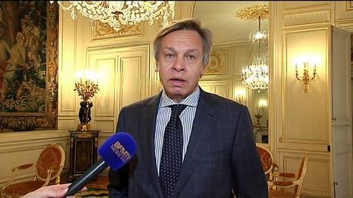 Alexeï Pouchkov, député russe et président de la commission russe des Affaires étrangères dans les salons de l'Ambassade de Russie à Paris le 6 mars 2014.