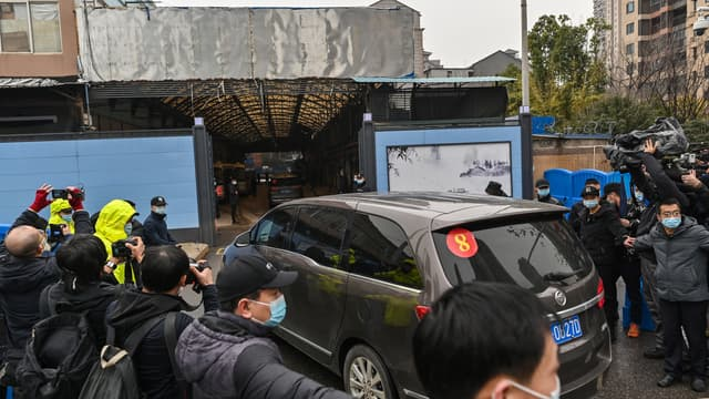 L'équipe de l'OMS visite le marché de Wuhan, le 31 janvier 2021