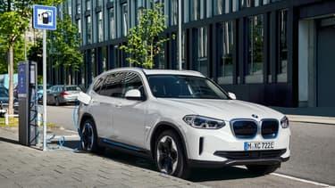 La version 100% électrique du BMW X3.