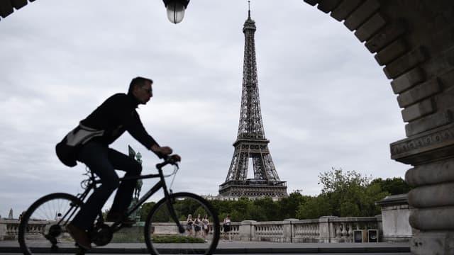 Les salariés utilisant leur vélo pour se rendre sur leur lieu de travail peuvent prétendre à une indemnité kilométrique spécifique. (image d'illustration)