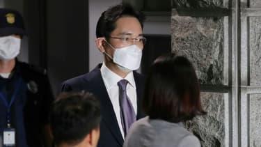 L'héritier du géant Samsung Lee Jae-yong (c), le 9 juin 2020 à Ulwang, au sud de Séoul