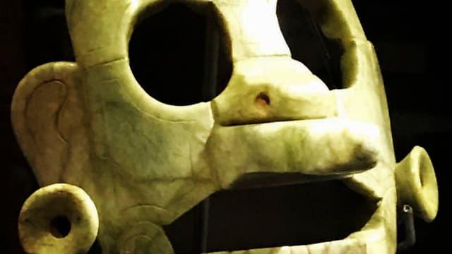 Le masque en jade avait été volé et exporté illégalement, avant d'être finalement saisi en Belgique en 2008.