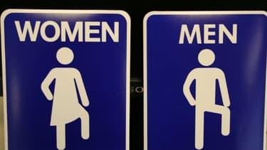 Les femmes n'ont pas encore atteint l'égalité salariale avec les hommes.
