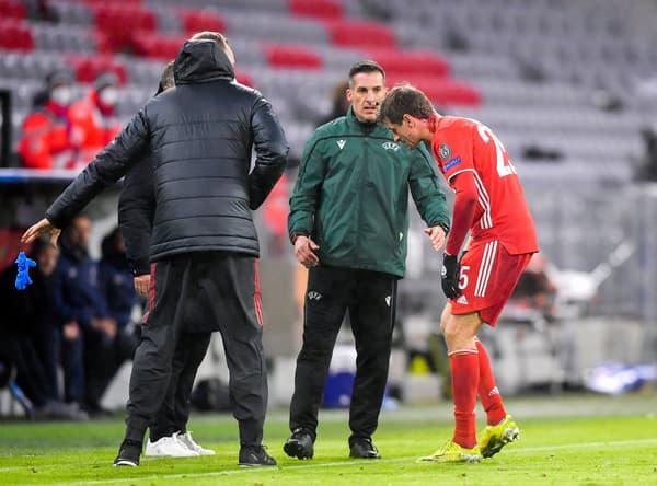 Thomas Müller contraint de se faire soigner après une blessure à la tête