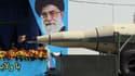 Un camion transporte un missile Sejil lors de la parade militaire annuelle à Téhéran, le 17 avril 2012.