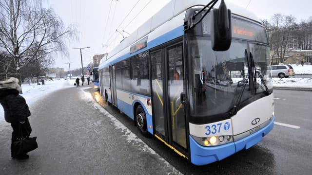 Les passagers voyagent désormais gratuitement à bord des bus circulant en Estonie. (image d'illustration)