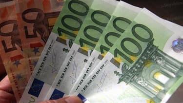 Le salaire moyen augmente légèrement au quatrième trimestre