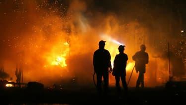 Des soldats du feu à Biguglia, en Corse